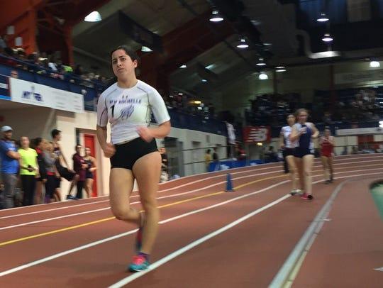 Audrey Fox of New Rochelle leads field en route to