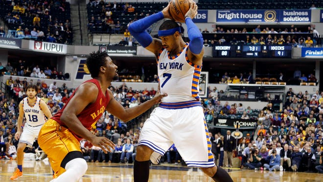 Knicks star Carmelo Anthony said it wasn't his decision to issue an apology to a heckling fan.