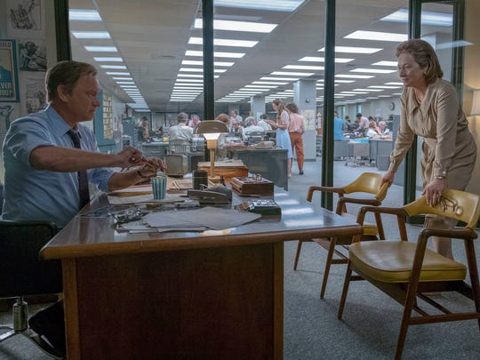 "In this image released by 20th Century Fox, Tom Hanks portrays Ben Bradlee, left, and Vassar College graduate Meryl Streep portrays Katharine Graham in a scene from ""The Post."""
