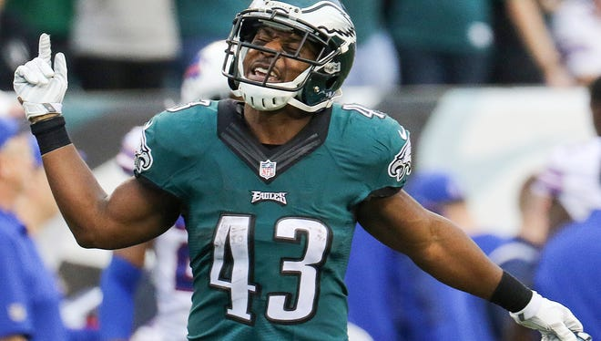 Eagles running back Darren Sproles celebrates after a big punt return last season against Buffalo. Sproles signed a contract extension through the 2017 season.