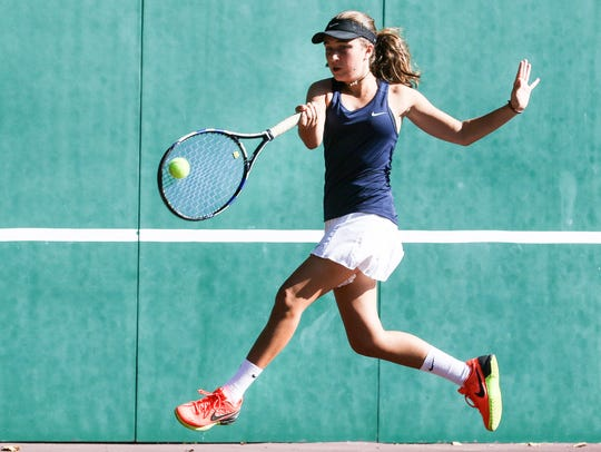 Mountain Lakes' 1st doubles Emma Matkiwsky returns