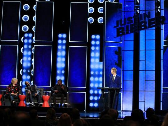 Martha Stewart, rapper Snoop Dogg, roastmaster Kevin