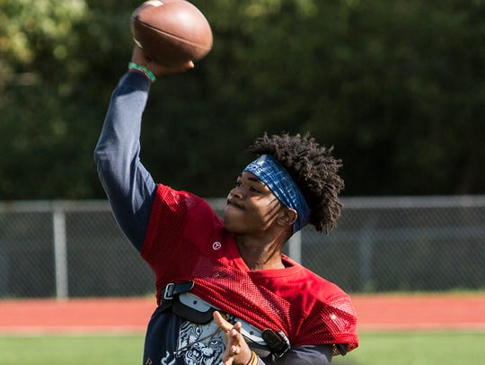 Kirby quarterback Jaden Johnson has committed to Louisville