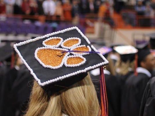 635545169517685744-Clemson-graduation-Dec-2014-15