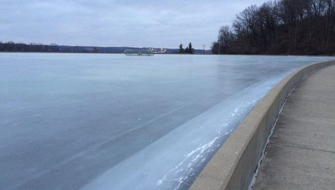 Mirror Lake, Eden Park, iced over. No blue flag, though, so not safe for skates.