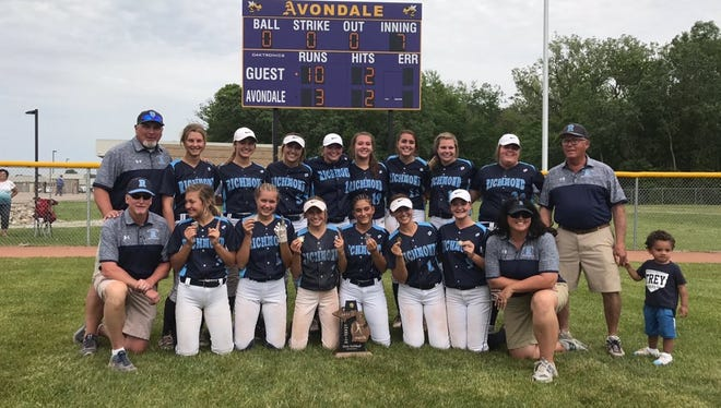 The Richmond softball team won its second straight Division 2 district title Saturday.