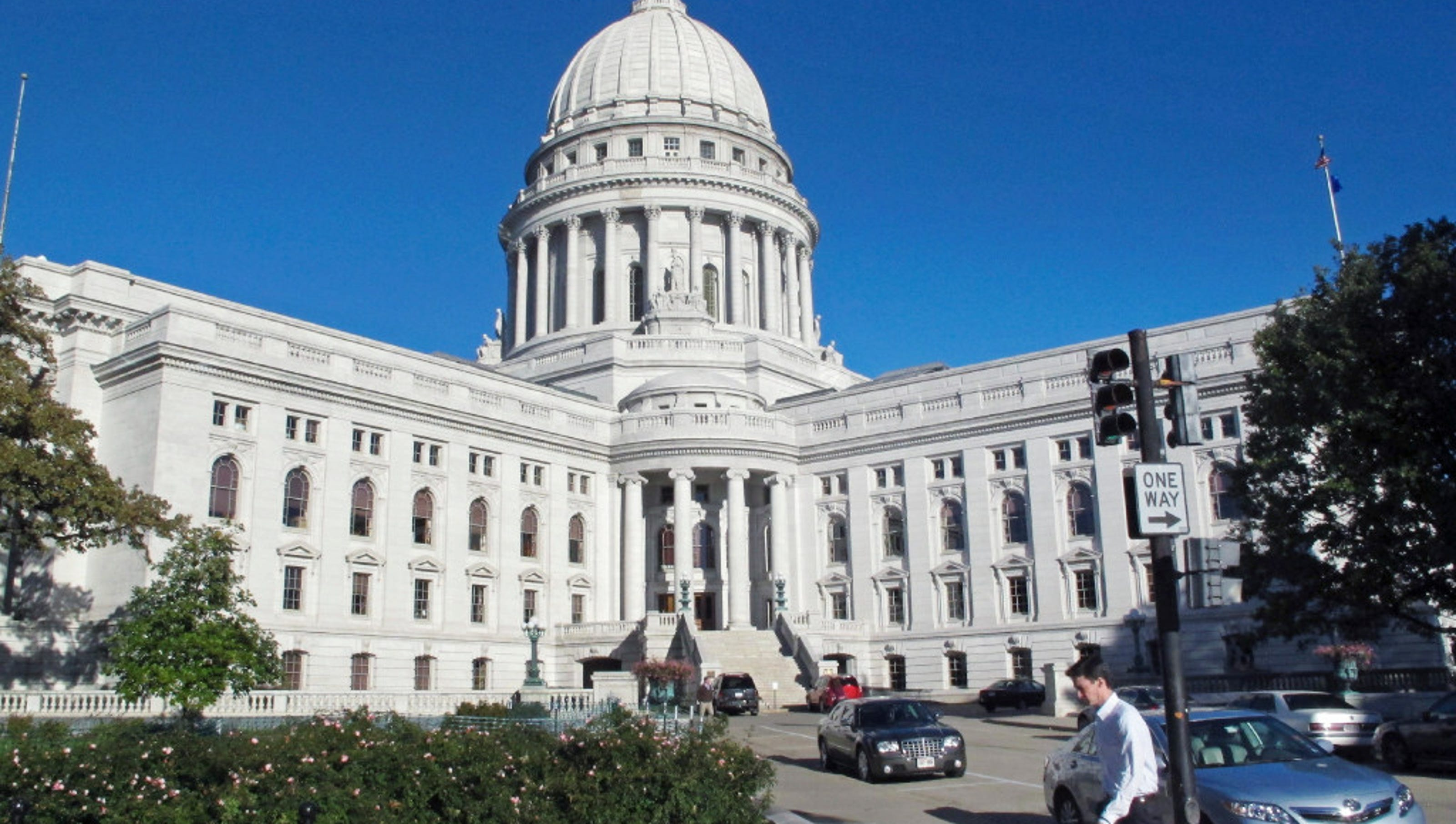 Wisconsin Capitol Dome Removed Walker >> Wisconsin Republicans Oust The State S Ethics And Elections Chiefs