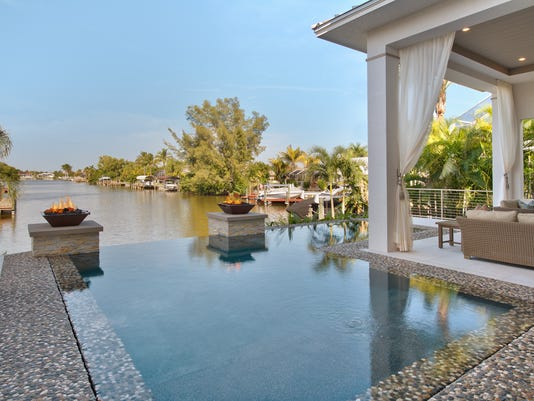 Canal View Over Pool 1..jpg