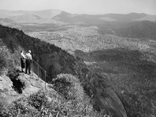 636434020867978602-Whiteside-Mountain-two-overlookers-July-Aug-1958-Gus-Martin-AC-T.jpg