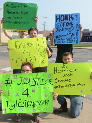 """Protesters demanding """"#JusticeForTylei"""" say they will continue to organize weekly demonstrations every Sunday in downtown Pittsburg. -- JONATHAN RILEY/THE MORNING SUN"""