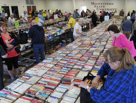 WALC book sale 1.jpg