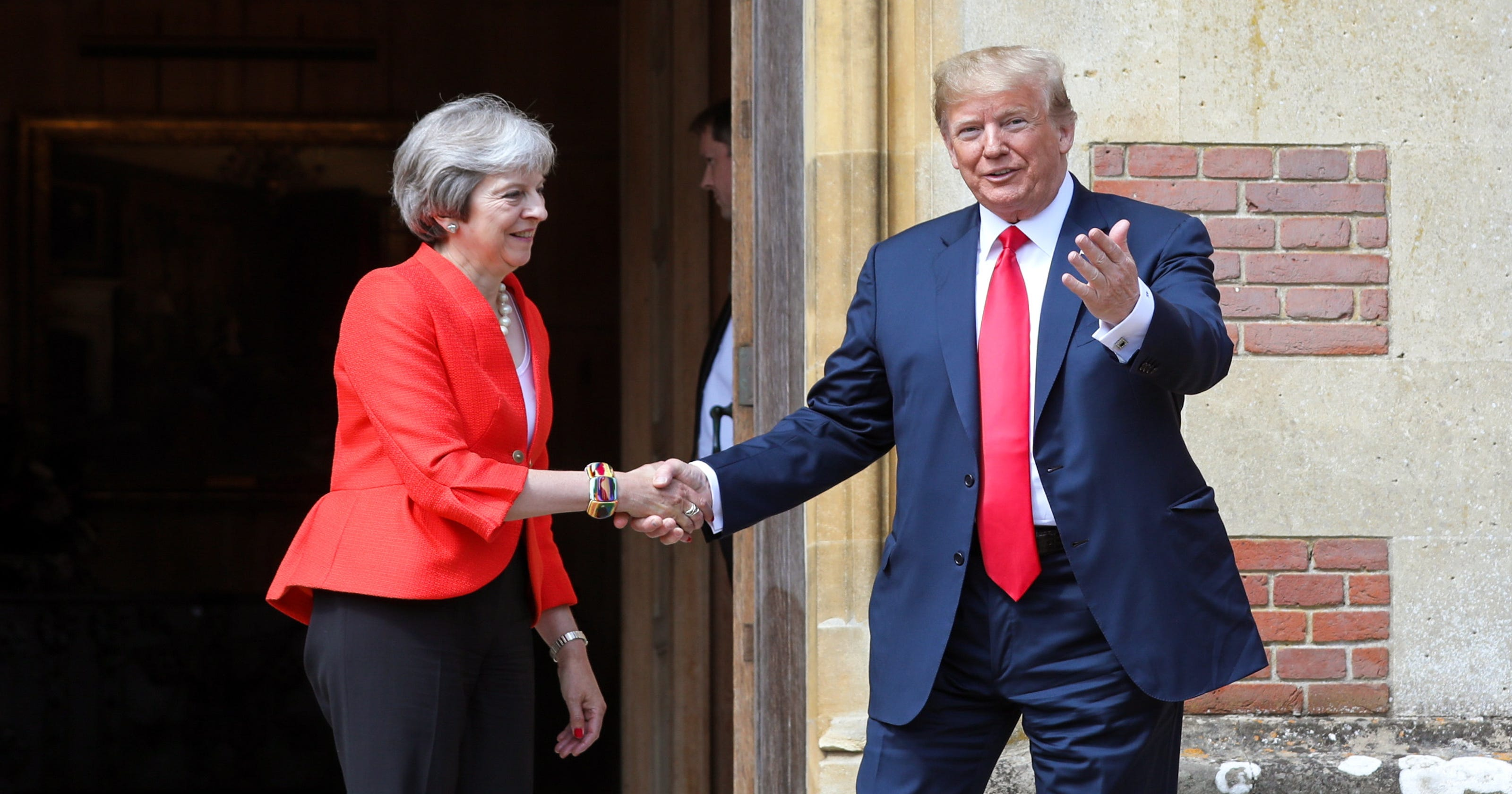 Trump In The Uk Interview With The Sun Threatens To Overshadow Visit
