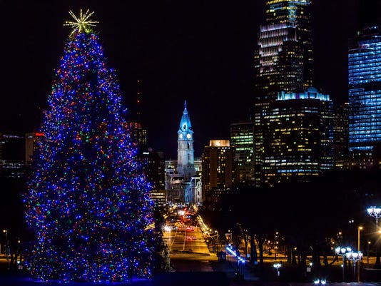 636166411448457417-Philadelphia-Skyline-Holidays.jpg