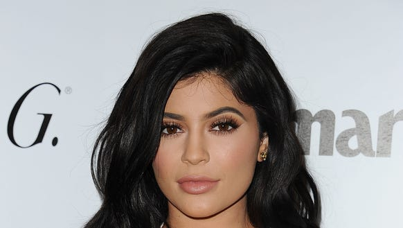"Kylie Jenner promised to show the ""real"" her in 'Life"