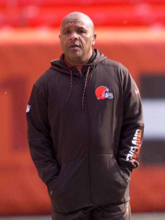 Hue Jackson invites Art Briles to coach Browns quarterbacks
