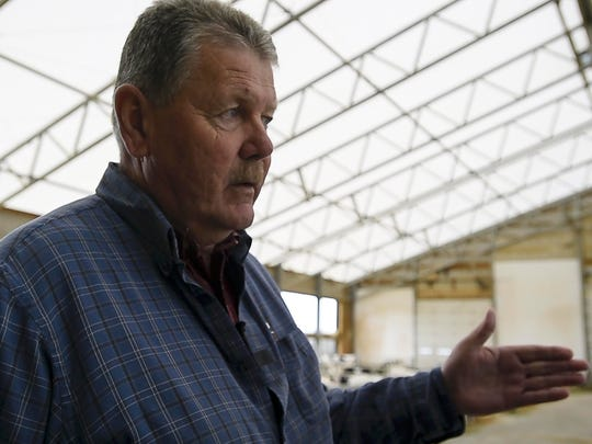 Bill Rowell milks 900 cows at Green Mountain Dairy