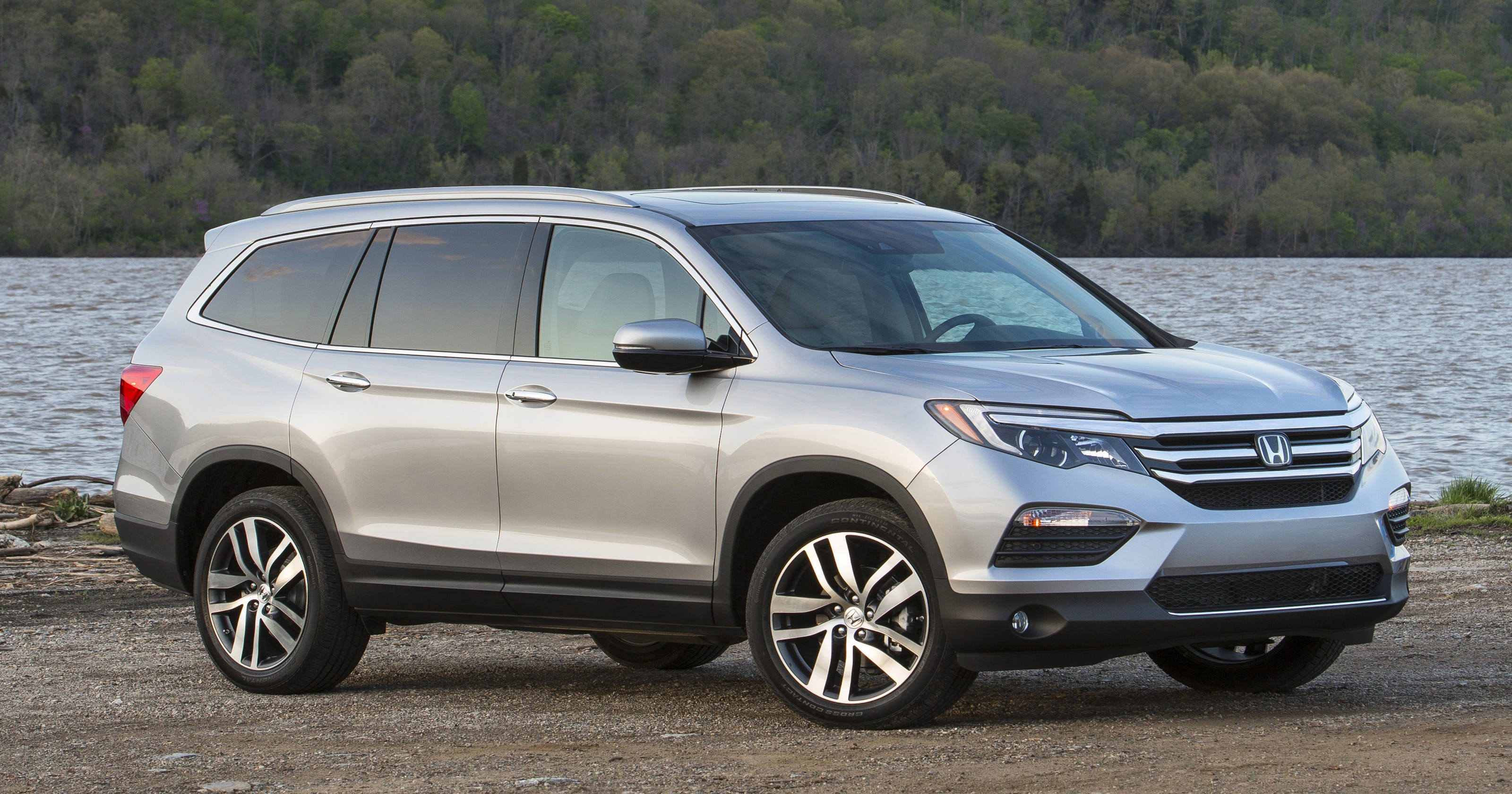 honda pilot offers room  fuel economy