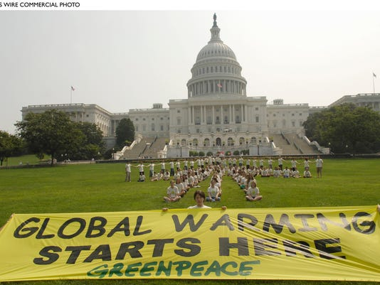-GREENPEACE_PROTEST_GLOBAL_WARMING_BW24.jpg_20060802.jpg