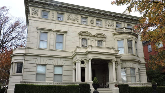 A state highway historical markerhas been dedicated at the Grabfelder-Handy Mansion, 1442 S. Third St. in Old Louisville.
