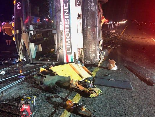 AP NEW MEXICO BUS CRASH A USA NM