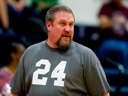 Alcoa Head Coach David Baumann during a district 4-AA