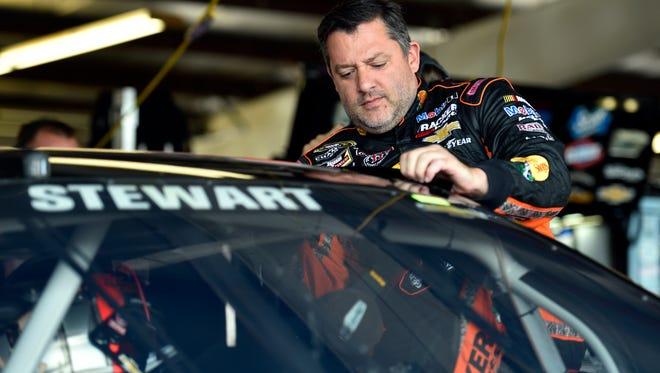 NASCAR star Tony Stewart donated $1,400 to help the Singletary family through family friend Ralphi Munson.