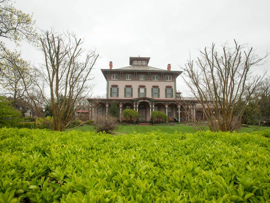 635809299302355866-southern-mansion