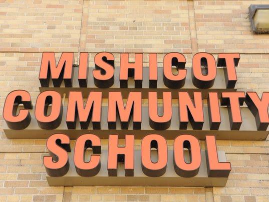 636046036381267298-MANBrd-07-10-2016-Herald-1-C006--2016-07-08-IMG-Mishicot-School.jpg-1-1-FDEU23QA-L841513746-IMG-Mishicot-School.jpg-1-1-FDEU23QA.jpg