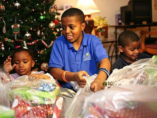 636485066065350224-Christmas-Toys.jpg