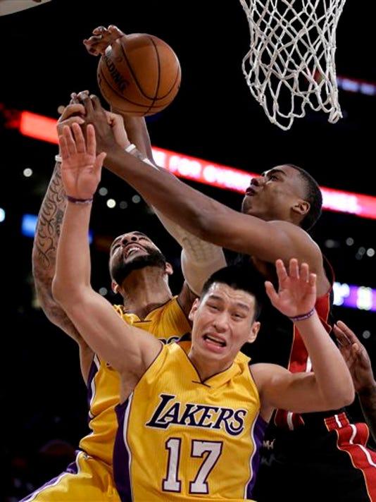 APTOPIX Heat Lakers B_Will.jpg