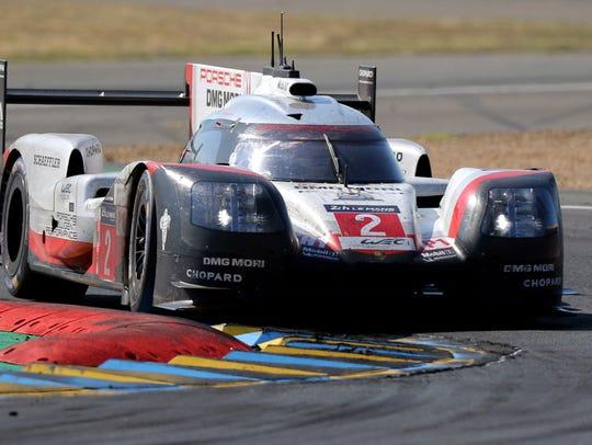 Brendon Hartley drives the Porsche LMP Team in a Porsche