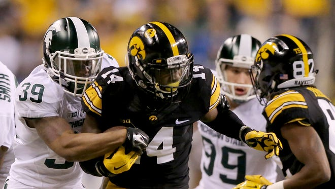 CB Desmond King. From: Detroit East English Village. College: Iowa. Projected round: 2. A two-time All-America and 2015 Jim Thorpe Award winner, QBs had a passer rating under 50 against him the past two seasons. He is ranked sixth among cornerbacks by Sports Illustrated and finished his career with 263 tackles, 14 INTs and 33 pass breakups in 53 games. Also a top kick returner.