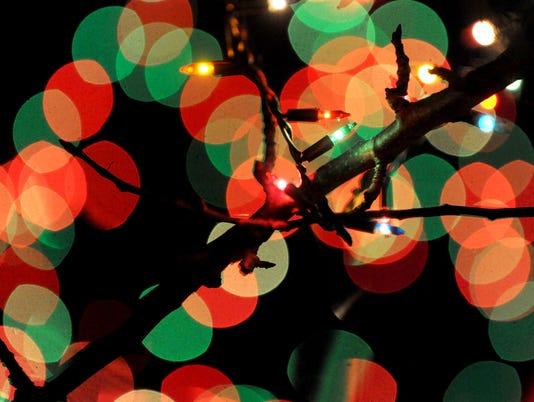 635518449629770009-ARM-Christmas-Lights