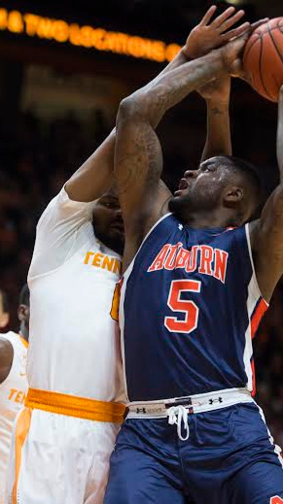 Auburn forward Cinmeon Bowers had nine points and 15 rebounds in a 71-45 loss at Tennessee on Feb. 9.