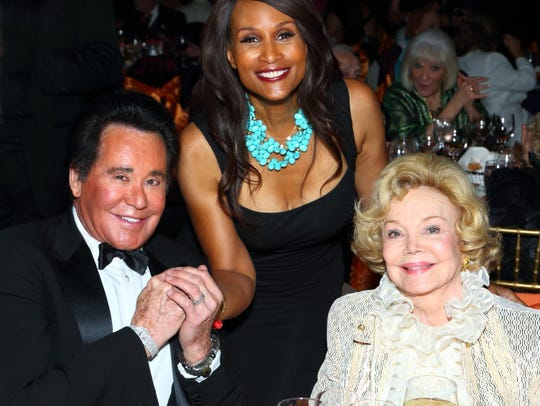 Entertainer Wayne Newton, supermodel Beverly Johnson