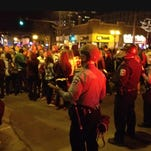 Riot police calm hockey fans in Dinkytown