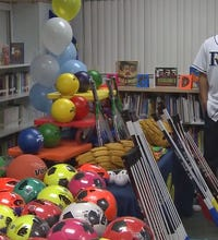 Chris Archer surprises Melrose Elementary students