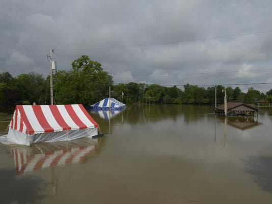 1_FRE_0701_Woodville_4th_flooded