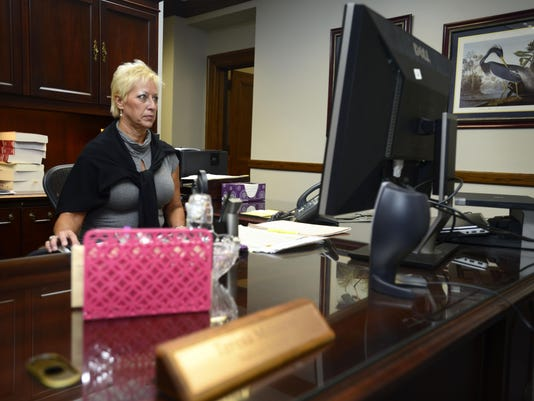 Federal courthouse employee talks about how moldy courthouse made her sick