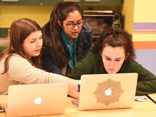 Girls Who Code: Moms and Daughters Edition, is being offered in July at the Stephens Central Library in San Angelo.