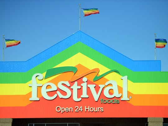 Festival Foods has given new roles to two executives.