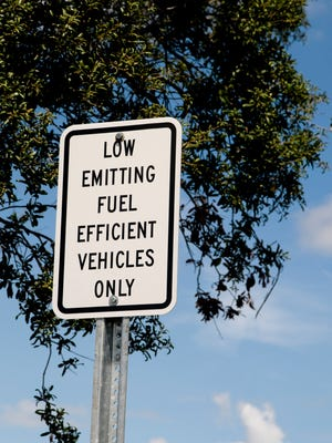 Low Emitting Fuel Sign