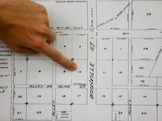 According to librarian John Rutherford, John Edwards owned lot 10 of block two in Springfield's original 50-acre plat.