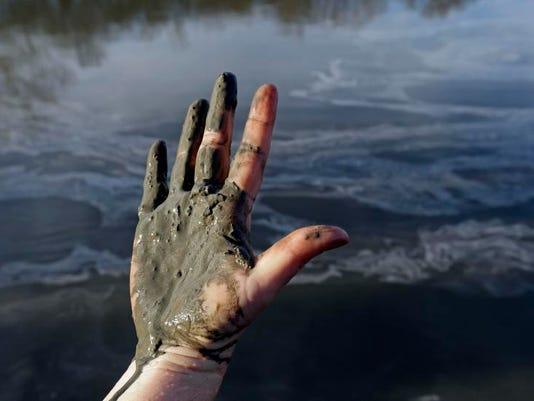Coal Ash Spill (7)