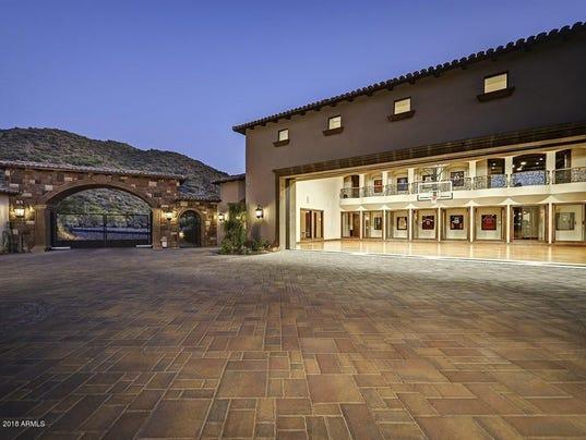 $3.2M Mesa mansion