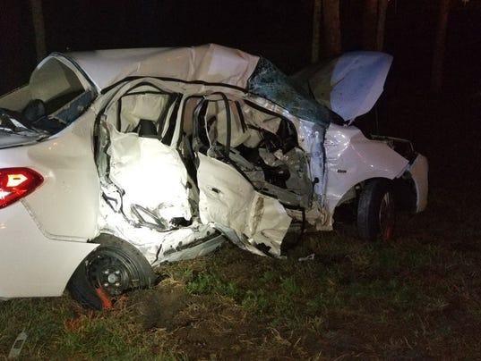 Crash kills tourist family