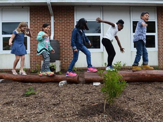 Outdoor Classroom Design Elementary School : Elementary school opens classroom that s always outside