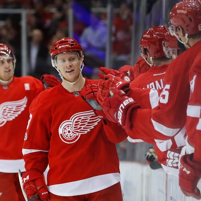 Detroit Red Wings' Nick Jensen gets contract extension, still pushing