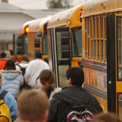 WFISD buys school buses; wrestles with seat-belt issue