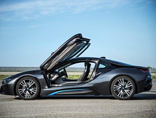 BMWi8gullwingdoorsopen 635491802438186014-07-P90133084-highRes